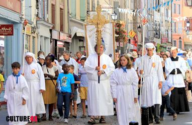 Procession de la vierge noire au Puy en Velay, Haute-Loire