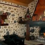 coin cheminée, gîte au pays des sucs à yssingeaux en Haute-Loire