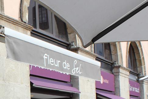 2tablissement de restauration au Puy-en-Velay