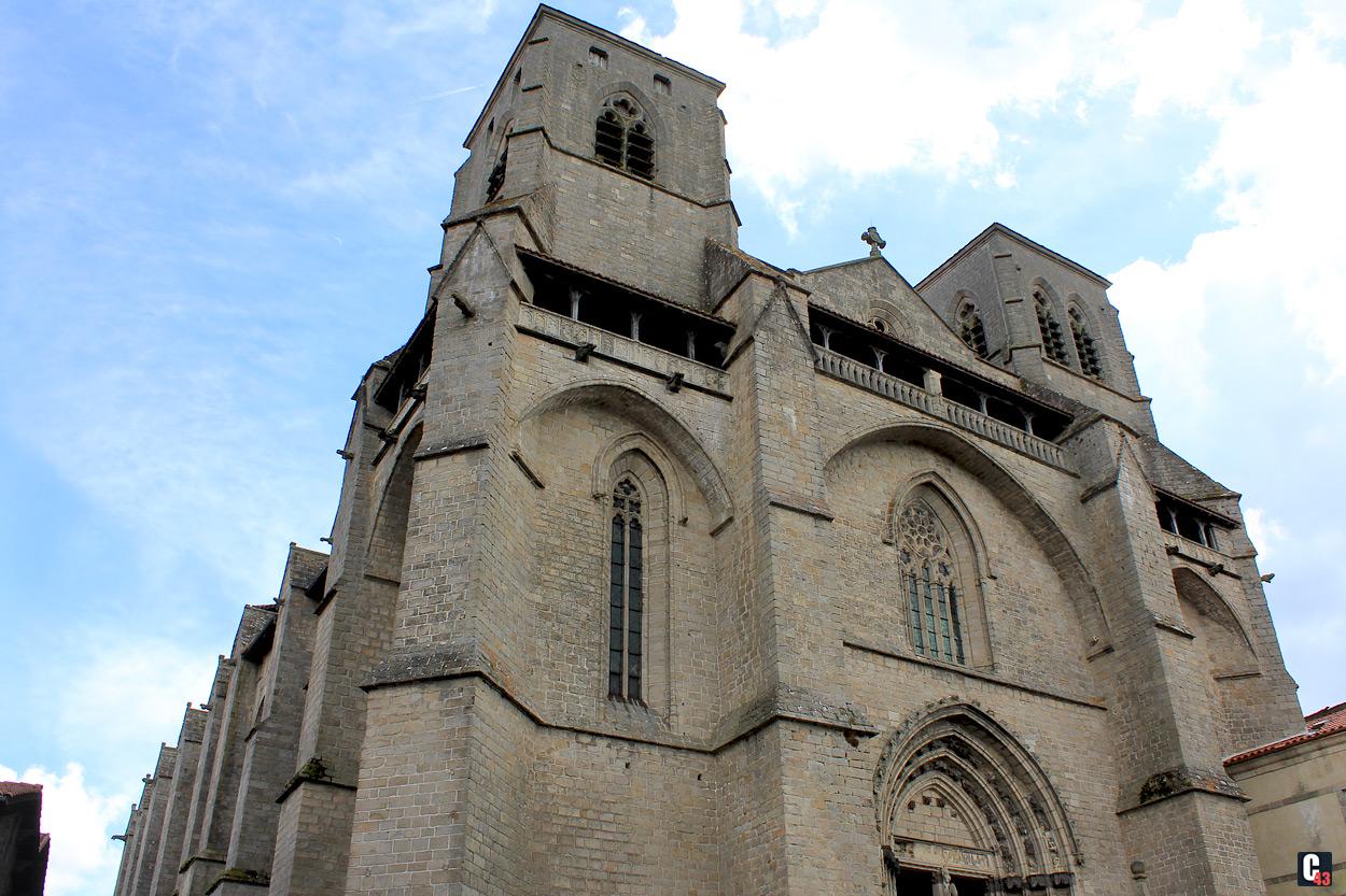Facade Abbaye Chaise Dieu