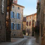 Petite ruelle au coeur du village de Lavaudieu