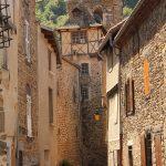 Rue pavée village de Blesle