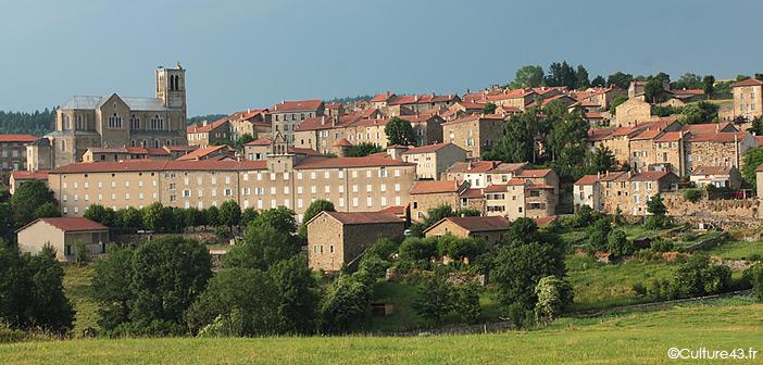 Villmage de Pradelle en Haute-Loire