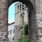 Porte du village d'Arlempde en Haute-Loire