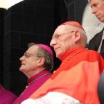 Monseigneur Brincard (ancien Évêque du Puy-en-Velay) au côté du Cardinal Paul Poupard