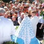 Une procession qui se termine au pied de la Cathédrale