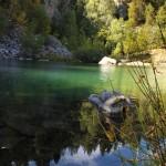Une eau couleur émeraude