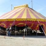 Atelier cirque sous le chapiteau de la compagnie Archaïque